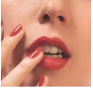 Come abbinare smalto e rossetto